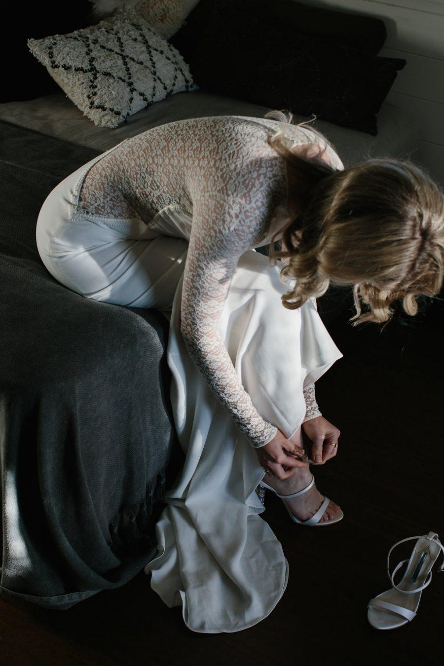 Bride getting ready / Elope / Micro Wedding / Byron
