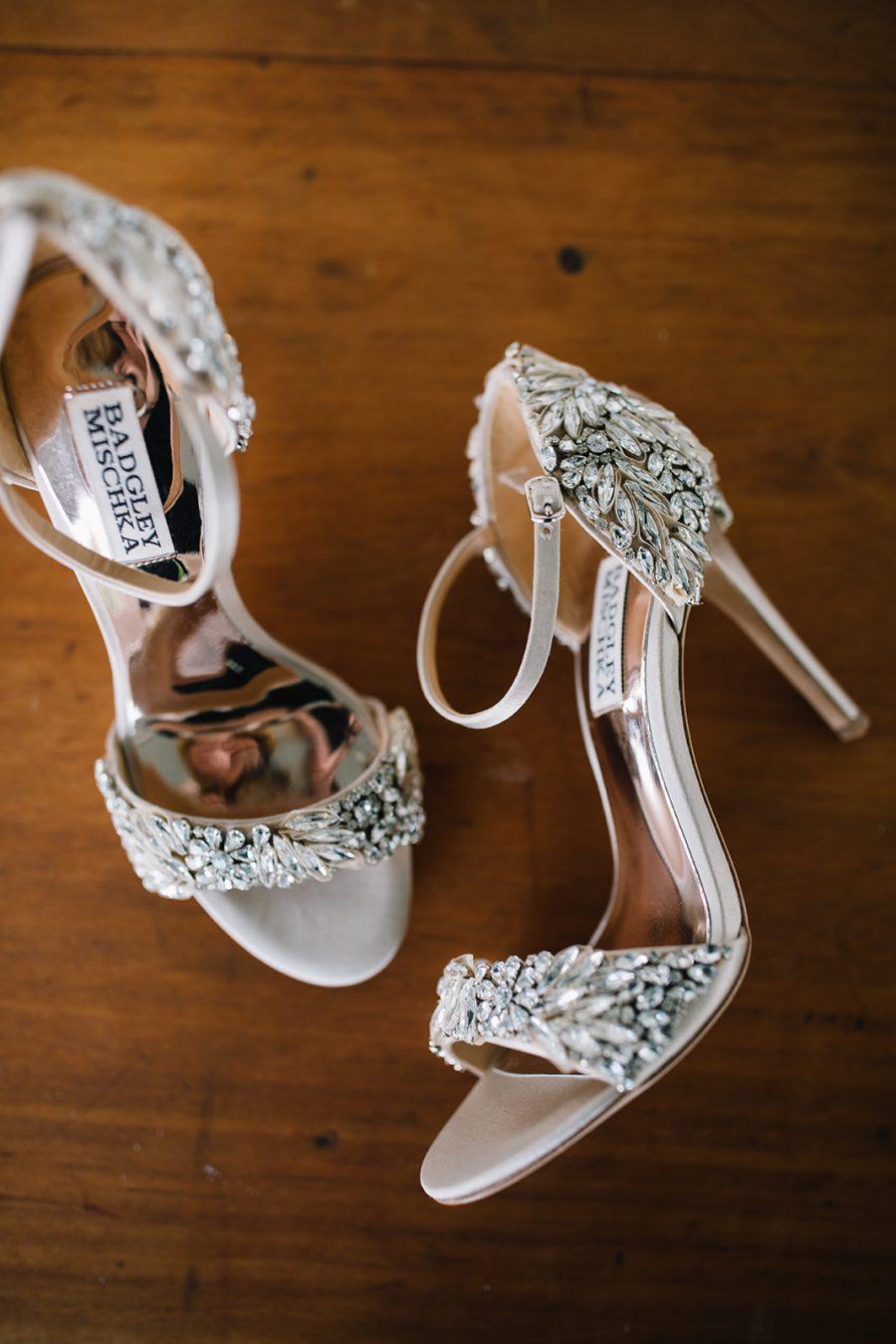 Brides shoes / Elope / Micro Wedding