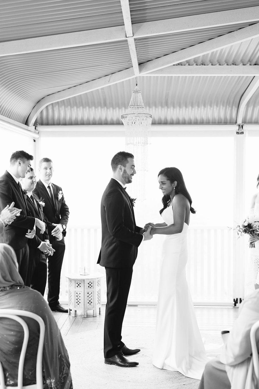 Bride and groom / Micro Wedding / Elope