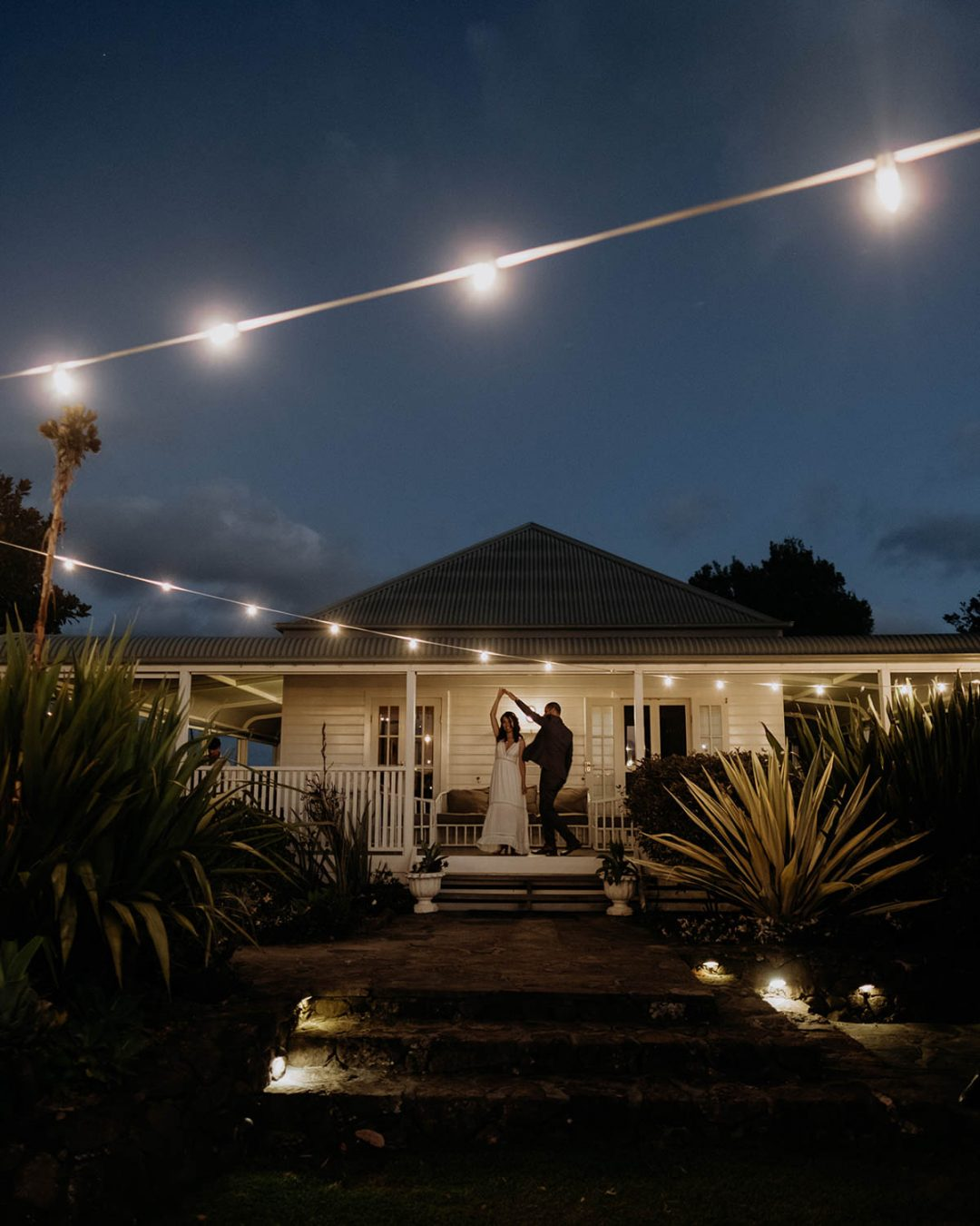 Bride and groom dance / Elopement photography / Byron Bay