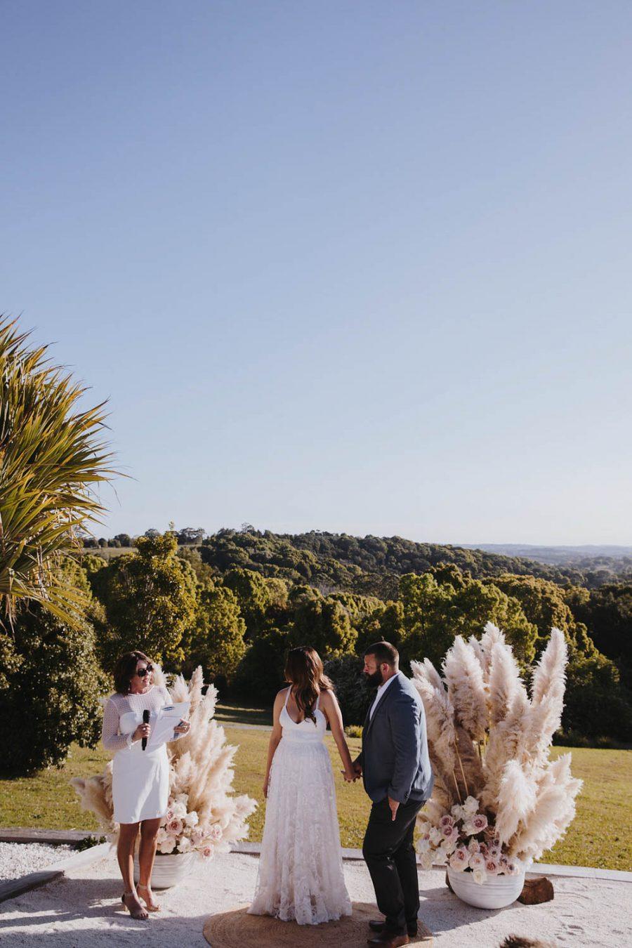 Bride and groom / wedding photography / Temple Farmhouse Byron Bay
