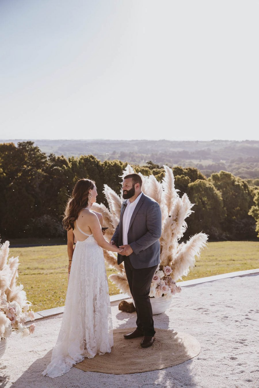 Bride and groom / wedding photography / Temple Farmhouse / Micro Wedding