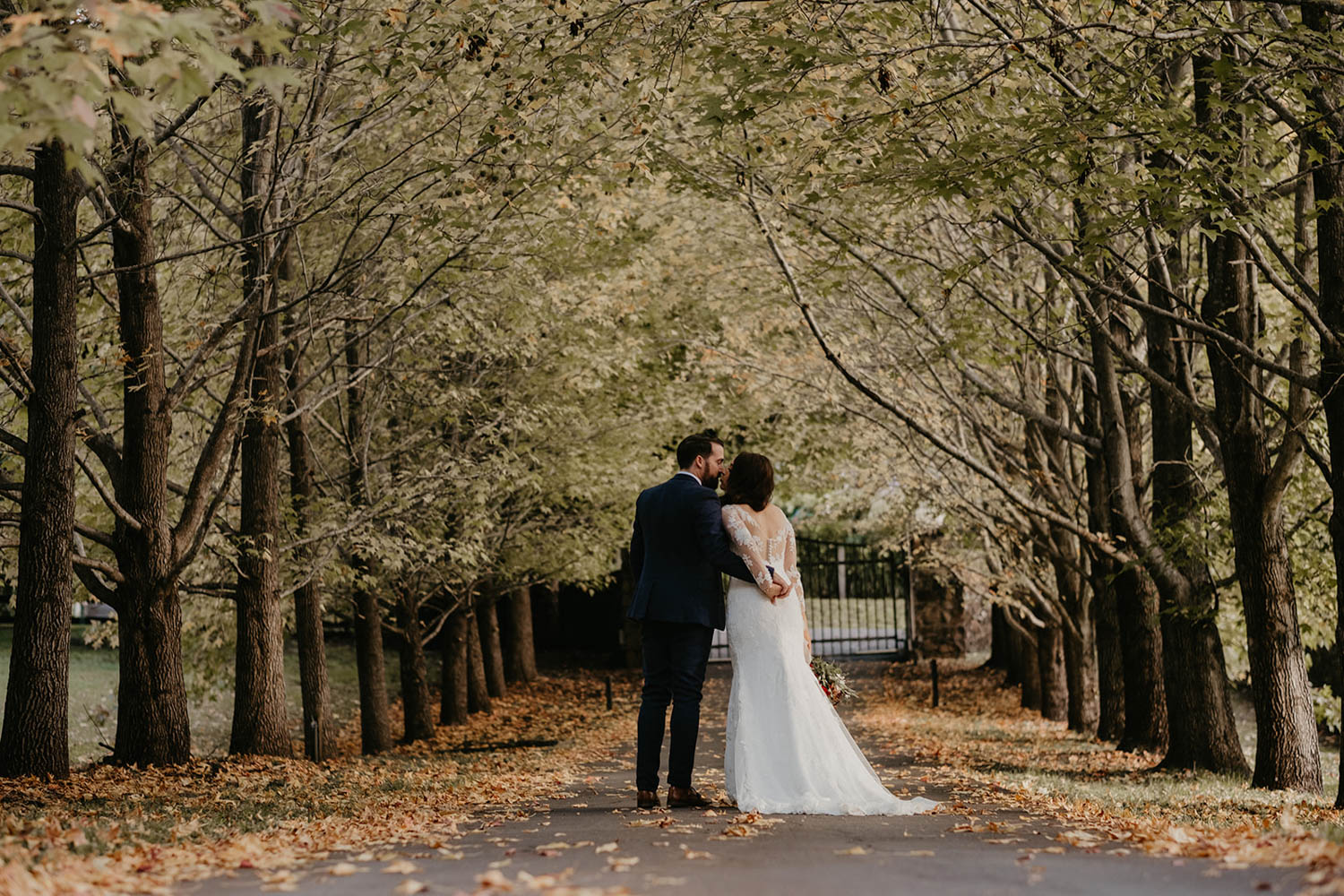 Bride and groom / wedding photography / Victorias Ewingsdale