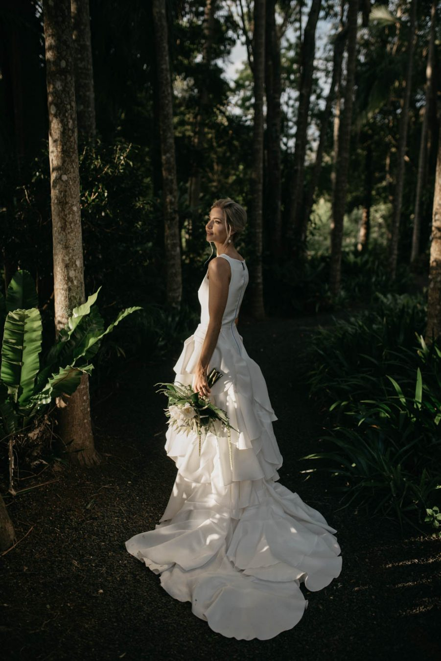 Bride in greenery / Elopement photography
