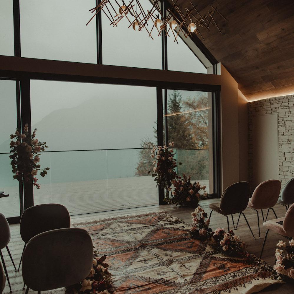 Alter decoration at Kamana Lakehouse - New Zealand