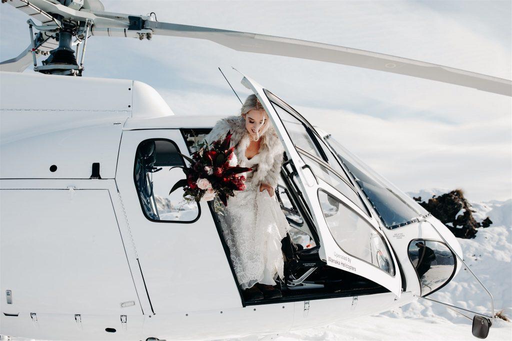 elope-tasmania-helicopter-snow-mountain-wedding